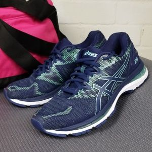 Asics Gel Nimbus Womens 8.5